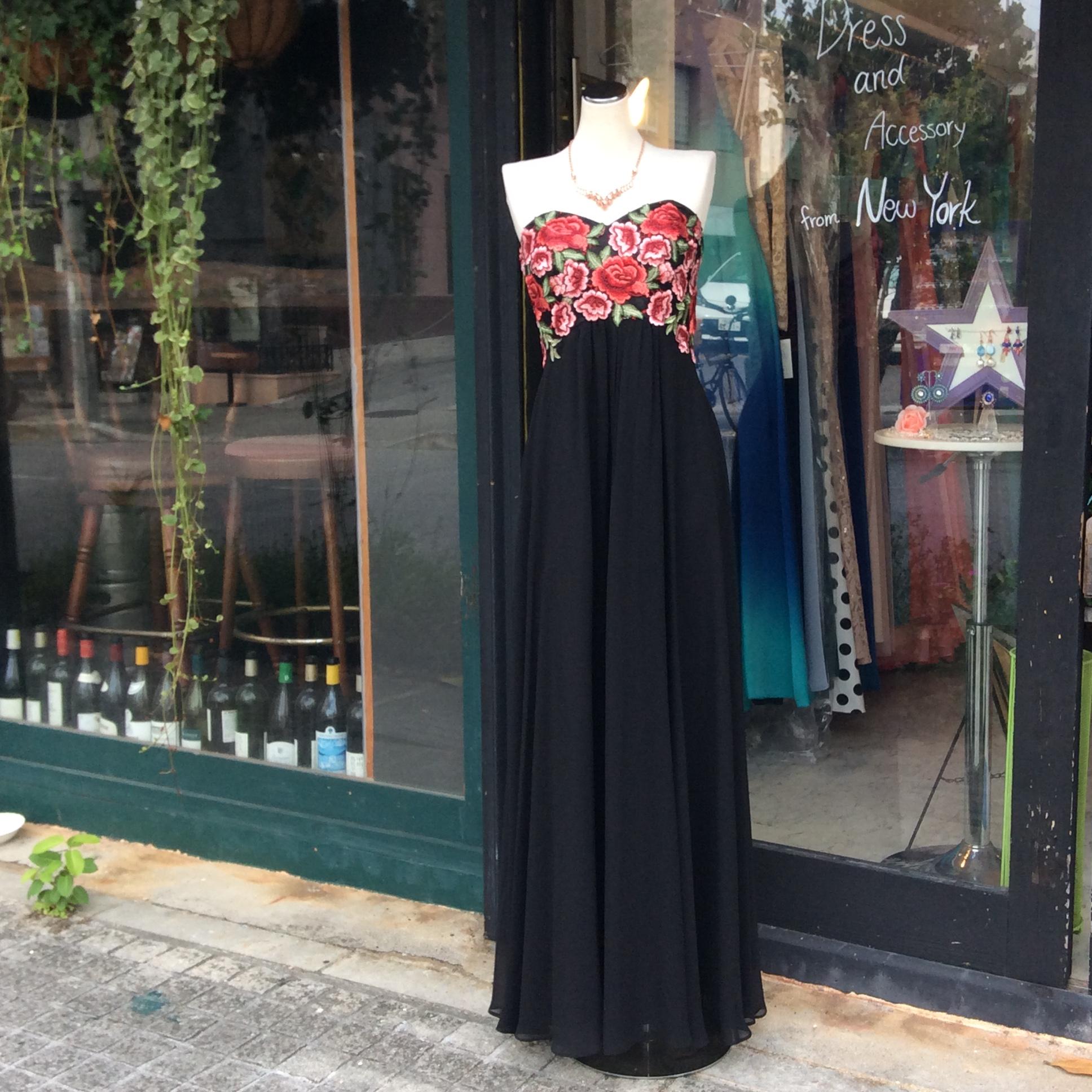 刺繍ドレス 沖縄 パーティードレス 演奏会ドレス ステージドレス 卒パドレス