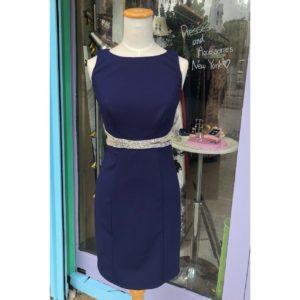シャンデリアブティックのショートドレス。綺麗なラインにキラキラストーン セクシードレス